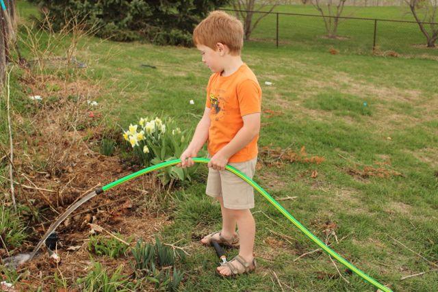 gardening-boys1
